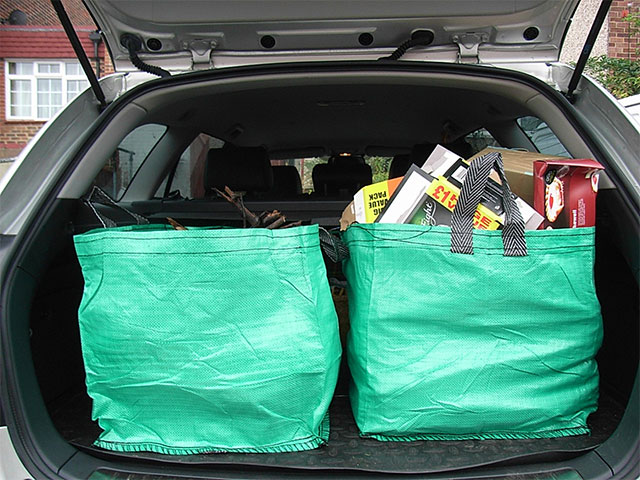 load your car in moving day
